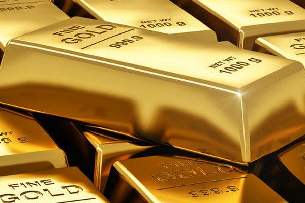 Инвесторы увидели конец пандемии и продают золото. Цена упала до 8-месячного минимума