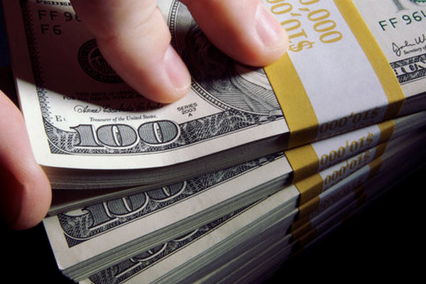 Люди в пандемию накопили $2,9 трлн. Это поможет восстановлению мировой экономики