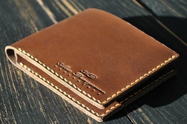 Какой лучше купить кожаный кошелек: большой выбор и причины популярности