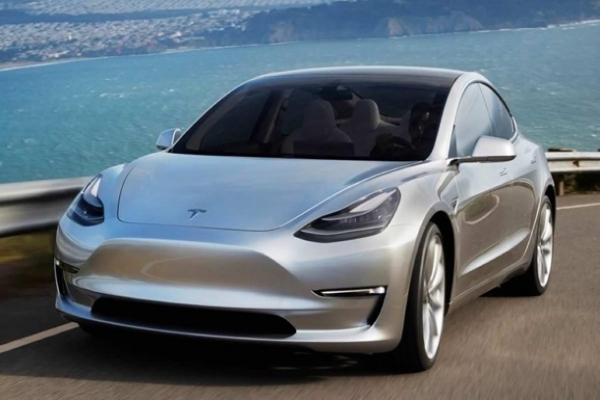 Акции Tesla выросли почти на $50 млрд за день