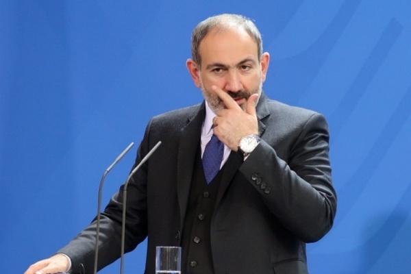 Премьер-министр Армении Пашинян подал в отставку