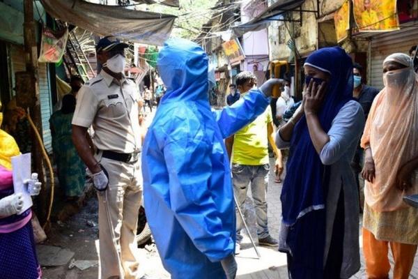 В крупнейшем городе Индии введут жесткий карантин