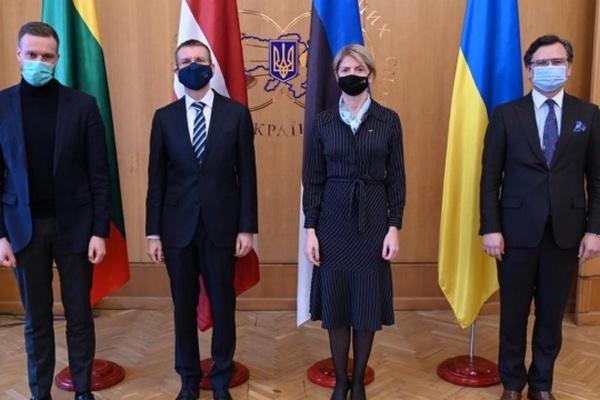 Украина никогда не будет одна — главы МИД стран Балтии