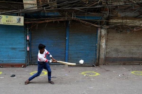 Столица Индии вводит жесткий локдаун