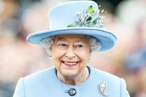 Королева Великобритании в день рождения поблагодарила всех за поддержку после смерти принца Филиппа