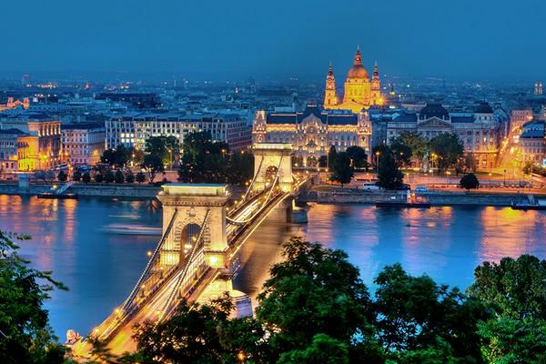 Венгрия планирует постепенное ослабление коронавирусных ограничений