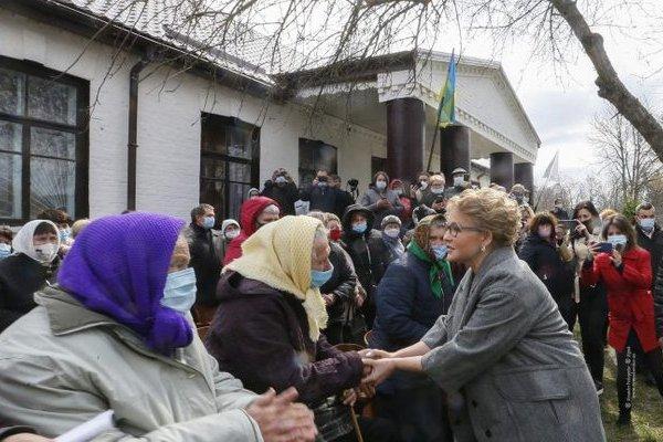 «Батькивщина» будет помогать гражданам в борьбе с земельным рейдерством — Тимошенко