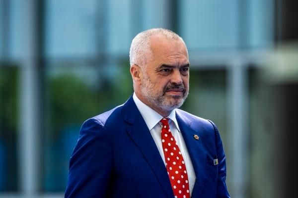 Премьер Албании обвинил президента в попытке переворота