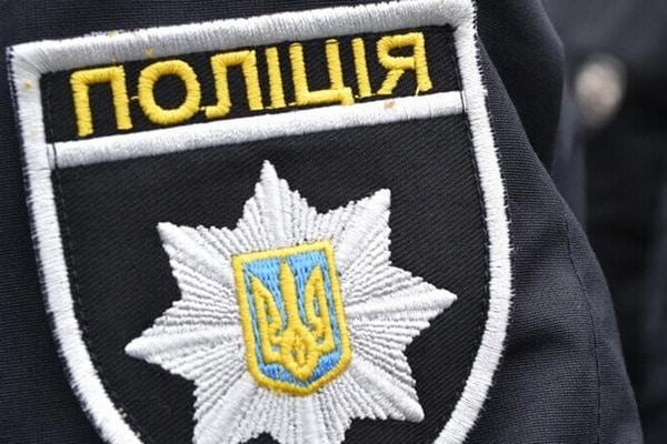 В Харькове легковушка въехала в павильон на ТЦ «Барабашово», два человека госпитализированы – полиция