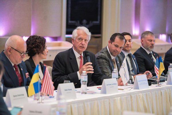 Украина и США углубят сотрудничество на уровне регионов и общин – Костыря