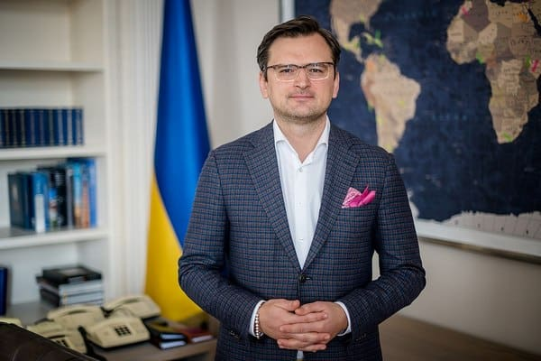 МИД Украины работает над заключением двусторонних соглашений о признании национальных сертификатов вакцинации — Кулеба