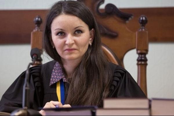 «Судью Майдана» Царевич восстановили в Печерском суде, но дел она не ведет