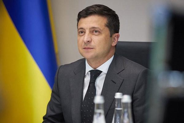 Зеленский хочет законом запретить тайные встречи олигархов и чиновников