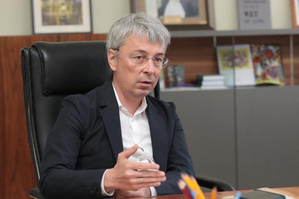 Закон о медиа мог бы разобраться с каналами Медведчука без СНБО — Ткаченко