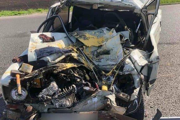 На Харьковщине в результате ДТП с участием грузовика погибли два человека