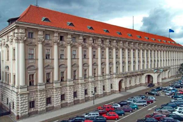 Чехия вызывает посла Беларуси из-за принудительной посадки рейса Ryanair