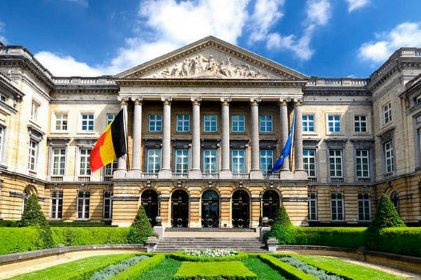 Бельгия разрешила экстрадицию в Грецию осужденного ультраправого евродепутата