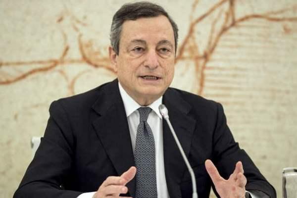 Премьер Италии, который получает две пенсии, отказался от зарплаты