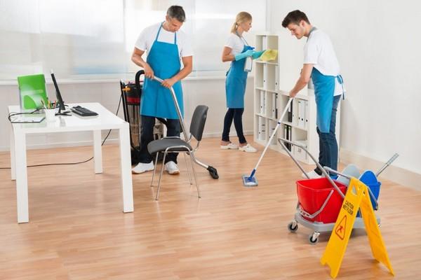 Как часто нужно проводить уборку в офисе и рабочих помещениях