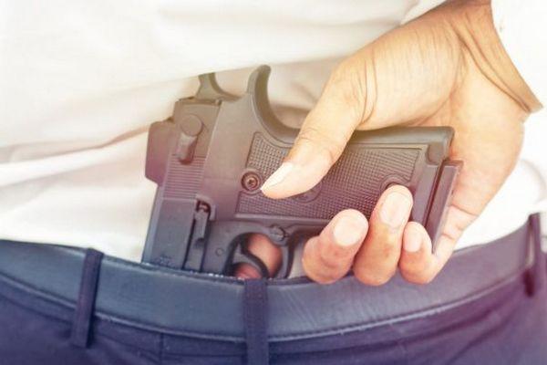 Адвокатам планируют гарантировать право на травматическое оружие