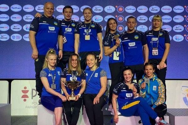 Украинки завоевали восемь медалей на турнире по борьбе в Варшаве