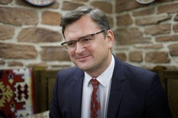 Кулеба вместе с главами МИД Грузии и Молдовы едет в Брюссель