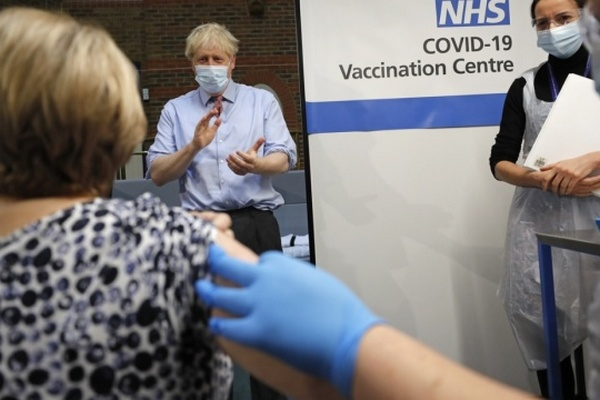 Джонсон призывает G7 вакцинировать весь мир к концу следующего года