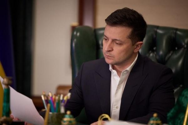 Зеленский предлагает запретить олигархам участвовать в большой приватизации