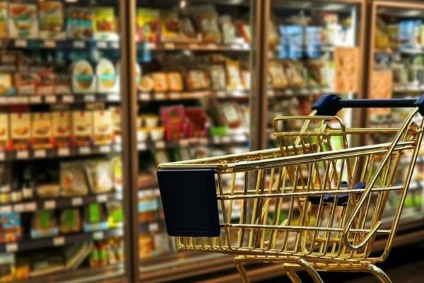 В Беларуси вводят жесткое регулирование цен на основные продукты