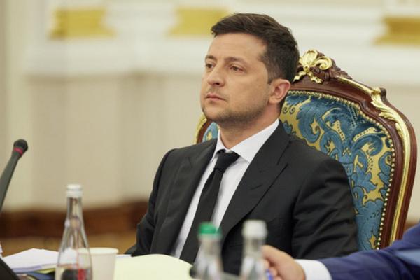 Зеленский ввел в действие санкции СНБО против трех человек и 55 компаний