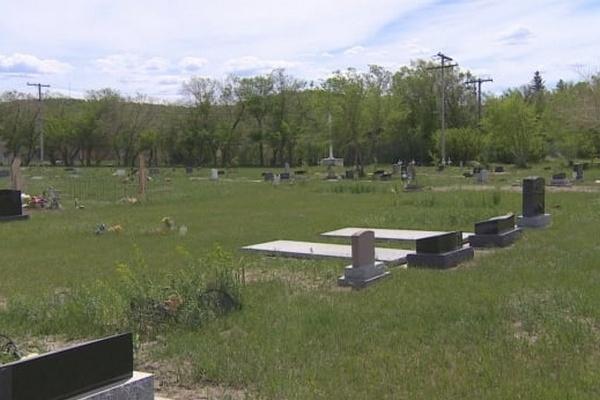В Канаде нашли еще одно массовое захоронение на месте школы