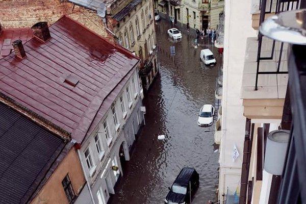 Электротранспорт во Львове не будет работать до конца дня – мэрия