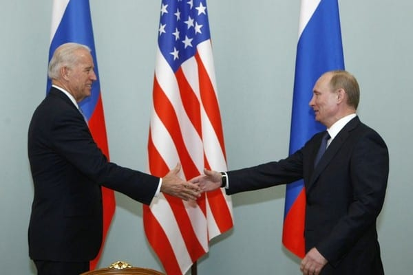 Байден на встрече с Путиным заявил о неизменной поддержке Украины