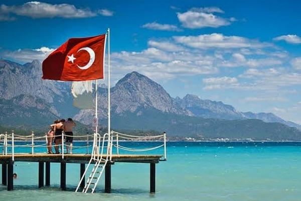 Турция сократила «локдаун выходного дня» и частично открывает школы