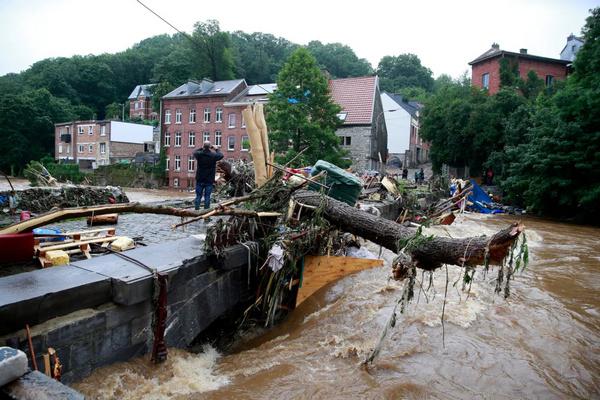 Разрушительное наводнение в Бельгии: СМИ сообщают о новых погибших