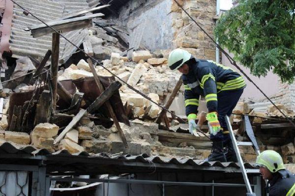 В Одессе на парковку рухнул двухэтажный дом