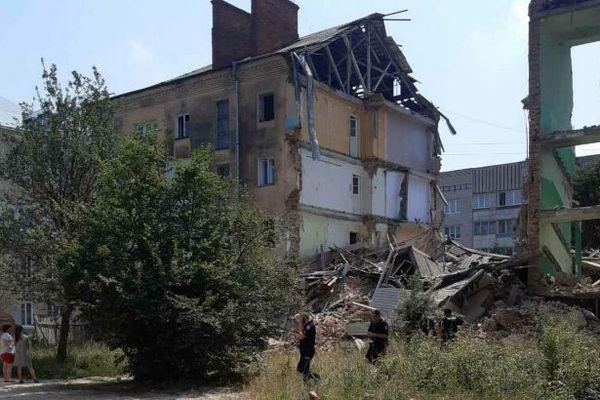 В Дрогобыче обрушился подъезд многоэтажки, от разрушения которой в 2019 погибли люди