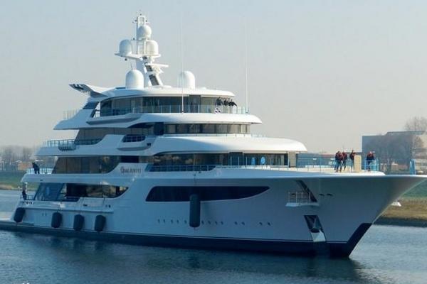 Яхту Медведчука спрятали от санкций – СМИ