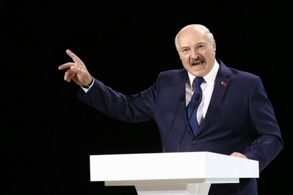 Лукашенко заявил о начале «террористической атаки» на Беларусь