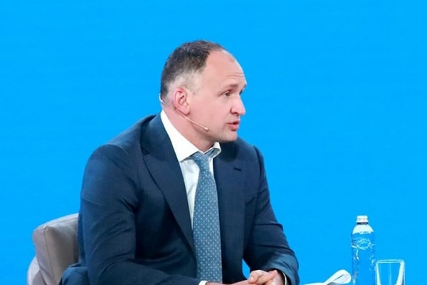 Зеленский ответил на петицию об освобождении от должности Татарова