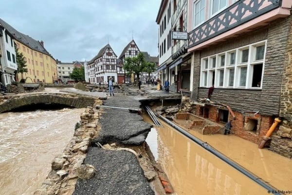 В Германии 1,3 тысячи человек после наводнения не выходят на связь