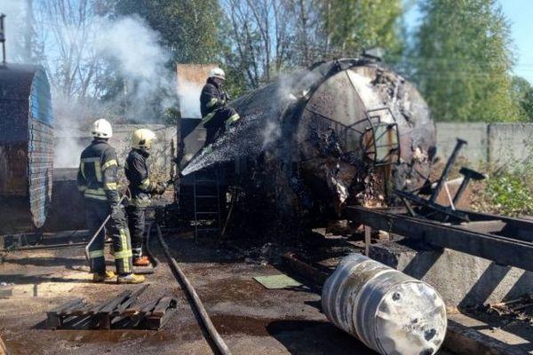 В Житомире на предприятии взорвалась 200-литровая бочка, есть пострадавшие