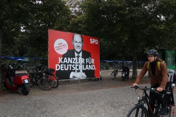 На выборах в Германии побеждают социал-демократы во главе с Олафом Шольцем