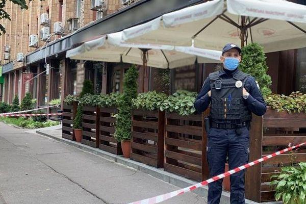 В Черкассах посреди улицы застрелили мужчину. Объявлена операция «Сирена»