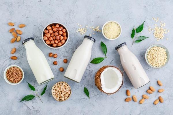 Полезно ли растительное молоко