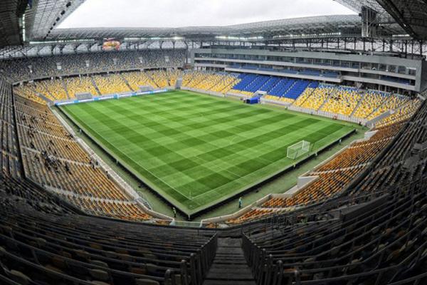 На стадион «Арена-Львов», где вечером состоится матч Украина-Босния и Герцеговина, будут пускать только вакцинированных или имеющих негативный тест на COVID-19