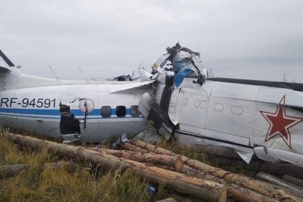 В России разбился самолет с парашютистами — 19 человек погибли, еще трех ищут
