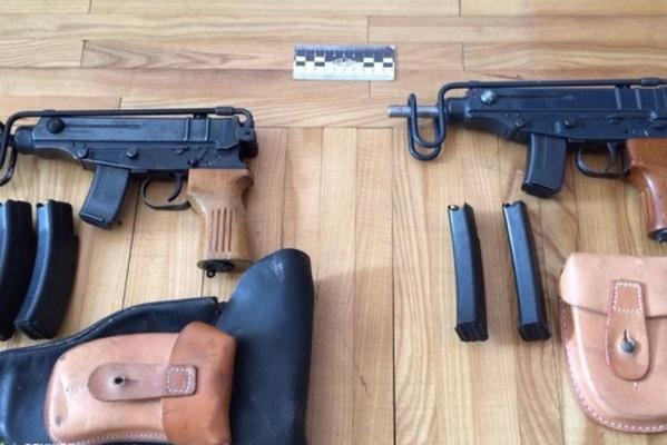 Трем торговцам нелегальным оружием дали по 12 лет тюрьмы